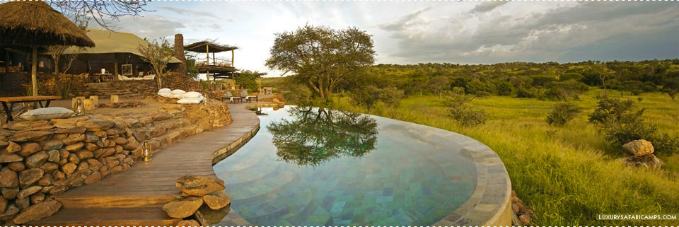 Singita Faru Faru Lodge - Viewing deck with pool