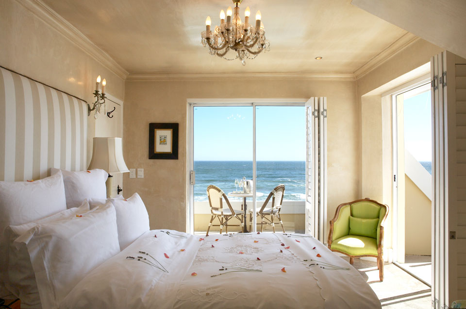 Birkenhead Hermanus Room 2 - LuxurySafariLodges.com